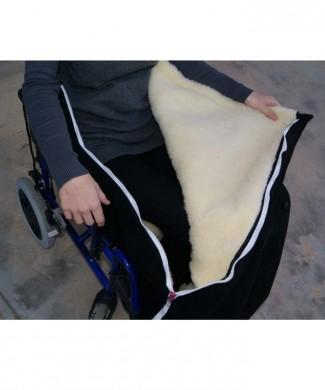 Cubrepiernas acolchado tipo saco para silla de ruedas