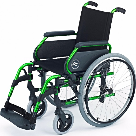 Silla breezy B300 aluminio color verde rueda 600 mm