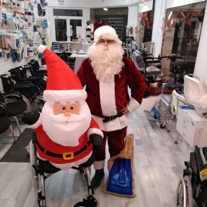 Concentración de Papás Noeles en Ortopedia Premià